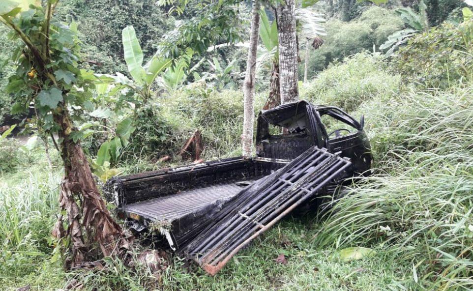 Mobil Pickup Bermuatan Ikan Terjun ke Jurang Setinggi 150 Meter di Kecamatan Tanggeung Kabupaten Cianjur
